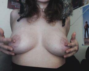 Brunette, Flashing, Nipples, Webcam zooeylander worship my tits ManyVids