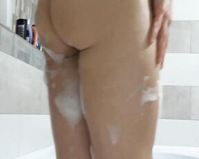 Bathtub Fetish, Kink, Masturbation, Pussy Teasing naughty adeline join me for a kinky bath ManyVids