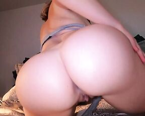 20-05-21 24428477 Shaking my booty for you 15201080 Mix
