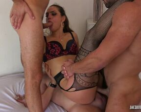 Anal, Dpp, Hardcore Claudia - Claudia Wants To Be The Center Of Attention
