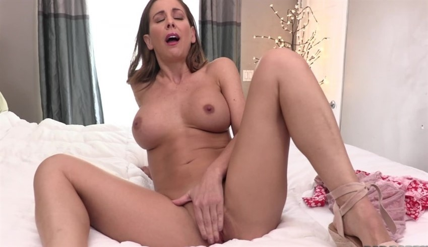 Blonde big tits begs for cum Milf Fetish Role Play Masturbation Pov Blonde Big Tits Family Great Ass Joi Cherie Deville Begs For Your Cum Siterip